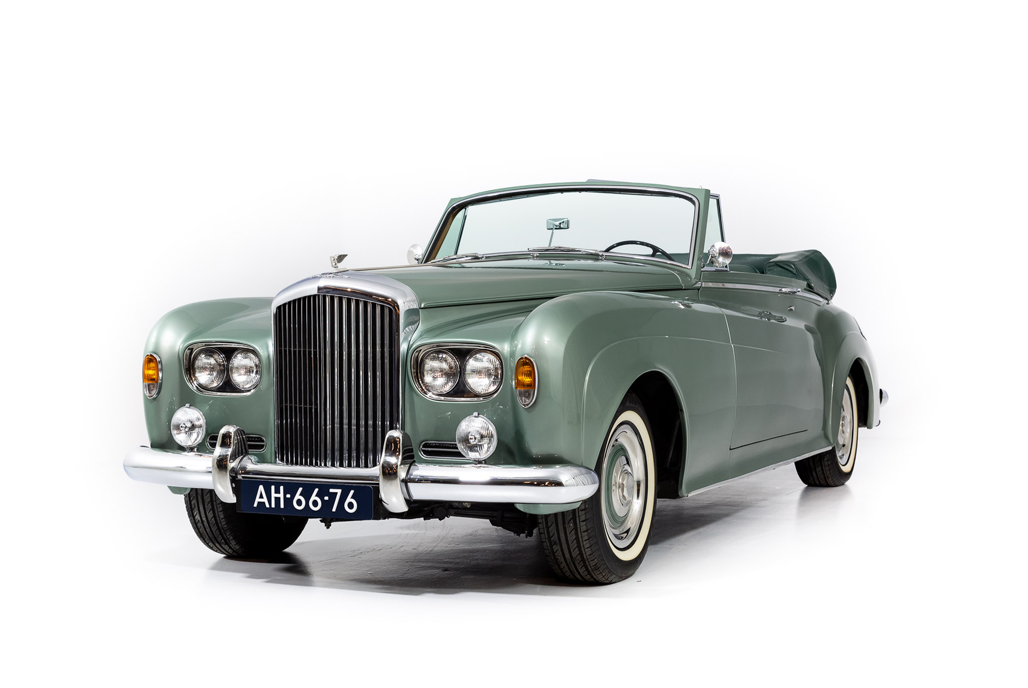 Read more about the article 1964 Bentley S3 DHC